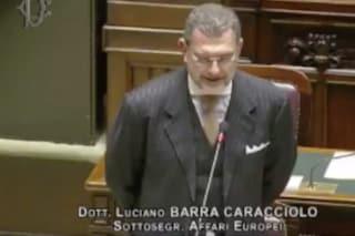 Il sottosegretario Luciano Barra Caracciolo che non sa se è ancora sottosegretario del governo