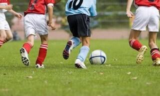 """Giovane calciatore insultato: """"Femminuccia, vai a danza"""". La squadra si ritira dalla partita"""