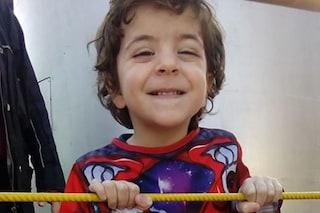"""Gianlorenzo, morto a 2 anni cadendo dal carro di Carnevale: """"Assenza di norme"""""""