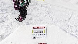 L'impresa di Ilaria: è la prima a realizzare un salto mortale in carrozzina sulla neve