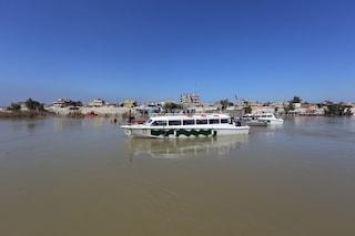 Iraq, si rovescia traghetto pieno di famiglie sul fiume Tigri: almeno 71 morti, anche bambini