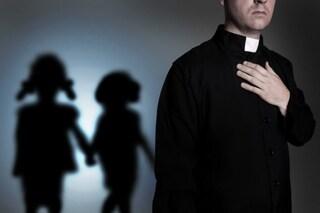 Don Giovanni, il prete accusato di masturbarsi con bambini tra i cani, torna in chiesa a Isernia