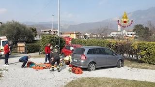Treviso, auto piomba in un cortile e travolge bimbo di 9 anni mentre gioca: è grave