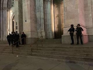 New York, tenta di dar fuoco alla cattedrale di St. Patrick: voleva bruciarla come Notre-Dame?