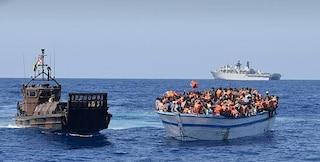 "Crisi Libia, è fuga da Tripoli. L'intelligence: ""6mila profughi pronti a partire per l'Italia"""