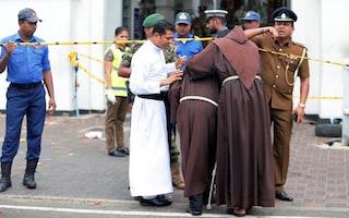 Pasqua di sangue in Sri Lanka, colpiti hotel e chiese: oltre 200 morti, 35 stranieri