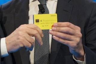 Reddito di cittadinanza, consegnate le prime card. E il presidente Inps Pasquale Tridico si scusa
