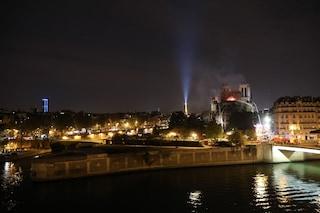 """Incendio Notre Dame, per la ricostruzione """"almeno 10-15 anni e centinaia di milioni di euro"""""""