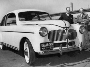 La riscossa di Henry Ford: ora anche Porsche e Bmw usano la canapa per le loro auto