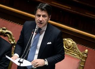 """Governo, Conte replica e accusa Salvini: """"Con arroganza e scarsa conoscenza voleva pieni poteri"""""""
