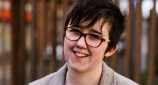 Lyra McKee, giornalista uccisa durante scontri in Irlanda del Nord: arrestati due adolescenti