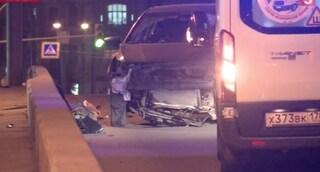 San Pietroburgo, salta il ponte con l'auto come in Blues Brothers: ferito un 29enne italiano