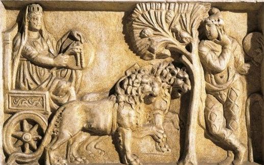 Bassorilievo romano del II secolo a. C. che raffigura il mito di Cibele e Attis.