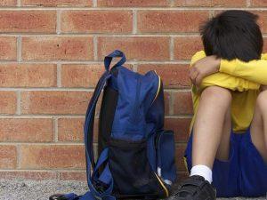 """Torino. Educatrice fa uscire il marito di casa e violenta un minorenne: """"Si sente a disagio"""""""