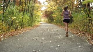 Empoli, aggredita e violentata mentre fa jogging: arrestato 36enne per stupro e lesioni