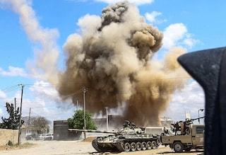 Libia, si continua a combattere: missili su Tripoli, quattro morti