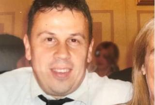 Schiacciato da un rullo durante il turno di notte: muore operaio di 53 anni