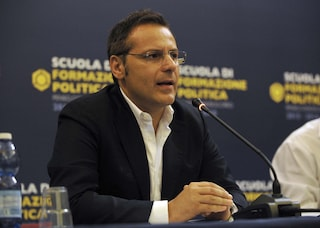 Armando Siri indagato, Toninelli ritira deleghe al sottosegretario ai Trasporti