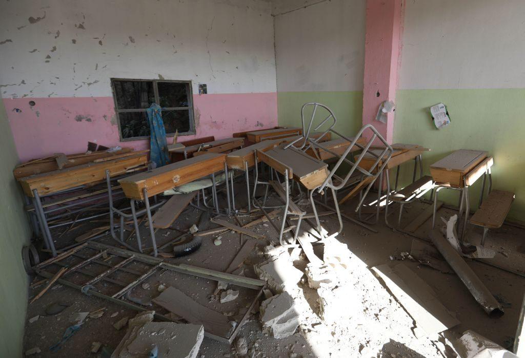 Una scuola distrutta a Kansafrah nella provincia di Idlib (Gettyimages)