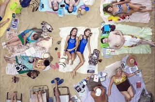 Biennale Arte di Venezia: la spiaggia dall'alto e le donne lituane vincono il Leone d'oro