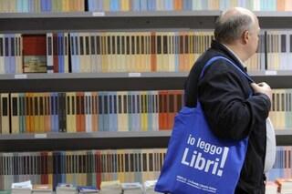 Salone del Libro Torino: Medici senza frontiere vicino allo stand di CasaPound