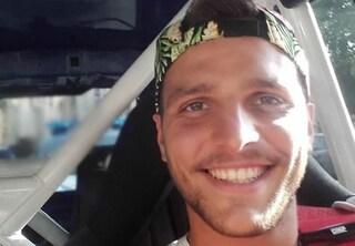 Genova, vede ladro e si lancia all'inseguimento con la moto: Andrea cade e muore a 25 anni