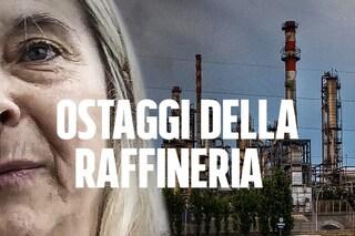 """Falconara, gli ostaggi della raffineria Api: """"Chiusi in casa per non respirare veleni"""""""