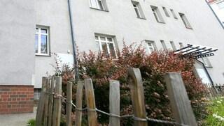 """Vienna, mamma e le due figlie gemelle trovate senza vita in casa: """"Sono morte di fame"""""""