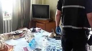 Strano odore dall'appartamento: in casa bimba di 2 anni coi cadaveri dei genitori morti
