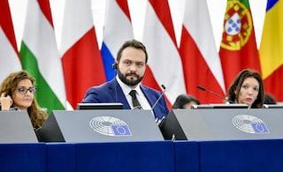 """Elezioni europee, Castaldo (M5s): """"Attacchi Salvini su migranti grave errore, chieda scusa a Conte"""""""