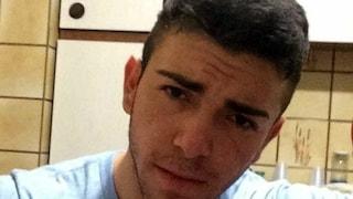 Macerata, travolto da un'auto mentre cammina sul marciapiede: Gianluca muore a 22 anni