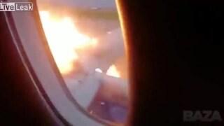 """Aereo in fiamme a Mosca: """"Evacuazione ritardata per prendere i bagagli dalle cappelliere"""""""