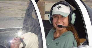 """Nata senza braccia, Jessica pilota aerei coi piedi: """"Con le protesi mi sento innaturale"""""""