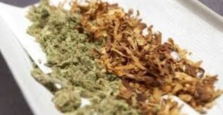 """Cannabis Light, Codacons: """"Applicare sentenza anche alle sigarette, provocano dipendenza"""""""