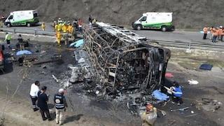 Messico, bus di pellegrini si schianta contro un tir: almeno 23 morti e 30 feriti