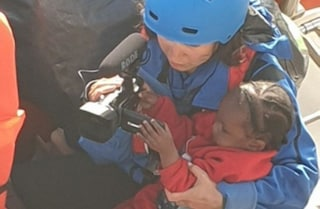 """Mare Jonio salva 30 migranti: tra loro una bimba di 1 anno. Salvini: """"Porti chiusi"""""""