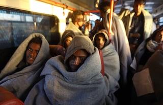 """Rifugiati, Corte Ue: """"No ai rimpatri se rischiano la vita in patria"""". Salvini: """"Non cambio idea"""""""