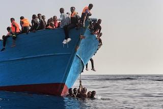"""Sea Watch punta Lampedusa, Salvini: """"No sbarco, faranno una regata storica a largo per divertirsi"""""""