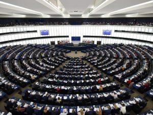 In foto: il Parlamento europeo a Strasburgo.