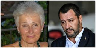 Palermo, la prof sospesa pronta a incontrare Salvini: in centinaia in piazza per lei