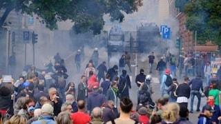 """Genova, giornalista picchiato durante scontri: """"Violenza mai vista, ho creduto di morire"""""""