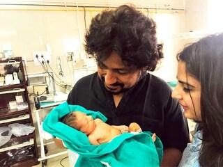 Filmano invece di soccorrere la neonata, giornalista trova video sui social e adotta la bimba