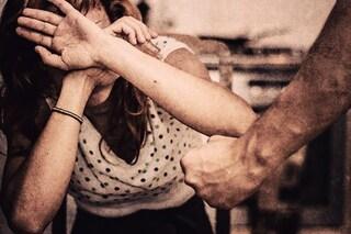 Ancona. Al mare insieme, poi la cena romantica: ma a casa la violenta davanti ad una 95enne