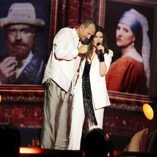 Bari, tragedia mentre va al concerto di Pausini e Antonacci: travolta perde una gamba, è grave