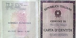 La bimba senza identità: niente documenti. Figlia di coppia gay, non si può scrivere padre-madre