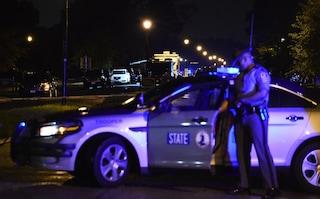 Virginia, funzionario pubblico fa strage in un edificio governativo: uccise 13 persone