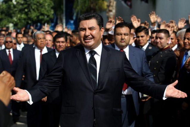 """Naasón Joaquín García, il capo della chiesa messicana """"La Luz del Mundo"""" accusato di violenze sessuali su minori (Gettyimages)"""
