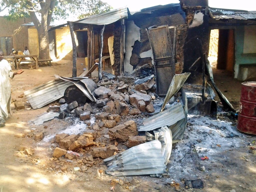 Quello che resta del villaggio di Kizara, nello Stato di Zamfara, dopo l'assalto delle bande di banditi (Gettyimages)