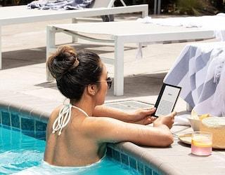 Arriva il Kindle Oasis, resistente all'acqua e con luce regolabile