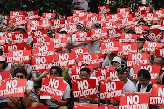 Hong Kong, scontri tra polizia e manifestanti: un milione in piazza contro l'estradizione in Cina